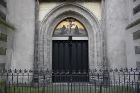 La puerta de la Iglesia de Wittenberg con las 95 tesis